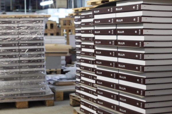 books_on_pallets_-8xx_kl5a3231c58cdbf